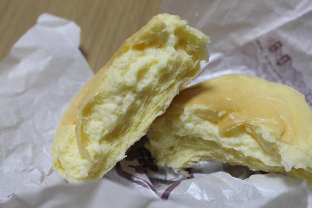 カスタードクリームパンの中身