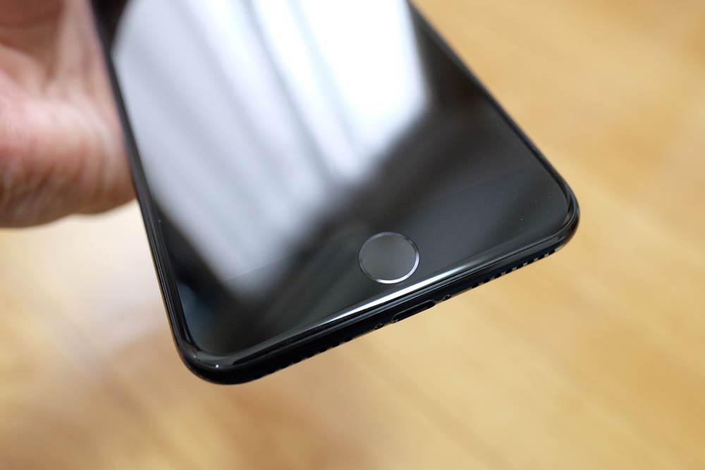 iPhone7 Plus ジェットブラックのディスプレイ