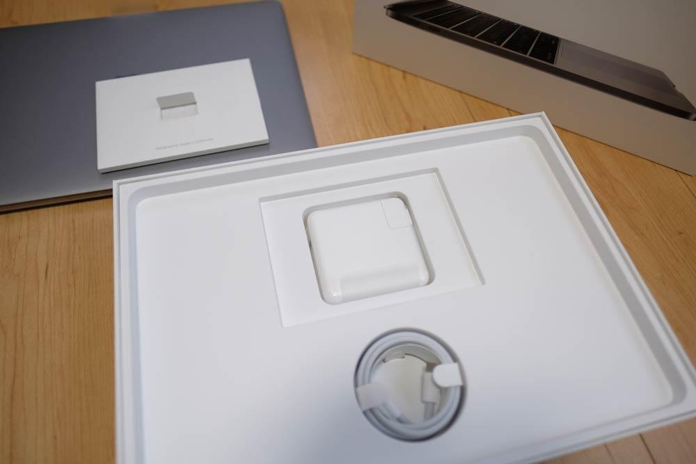 MacBook Pro 13 付属品