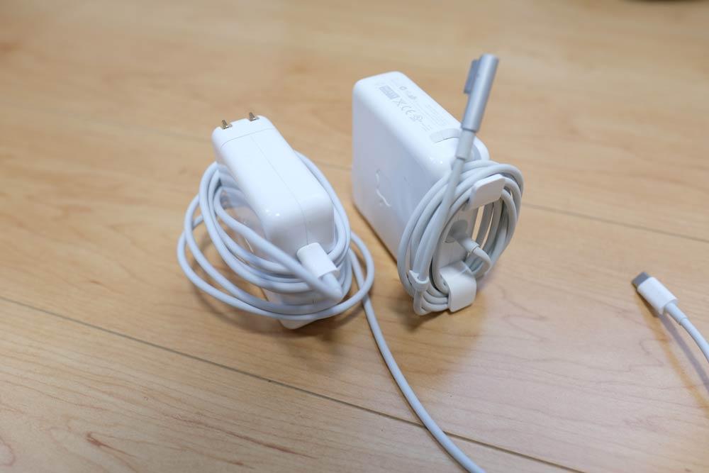 電源アダプタ MacBook 比較