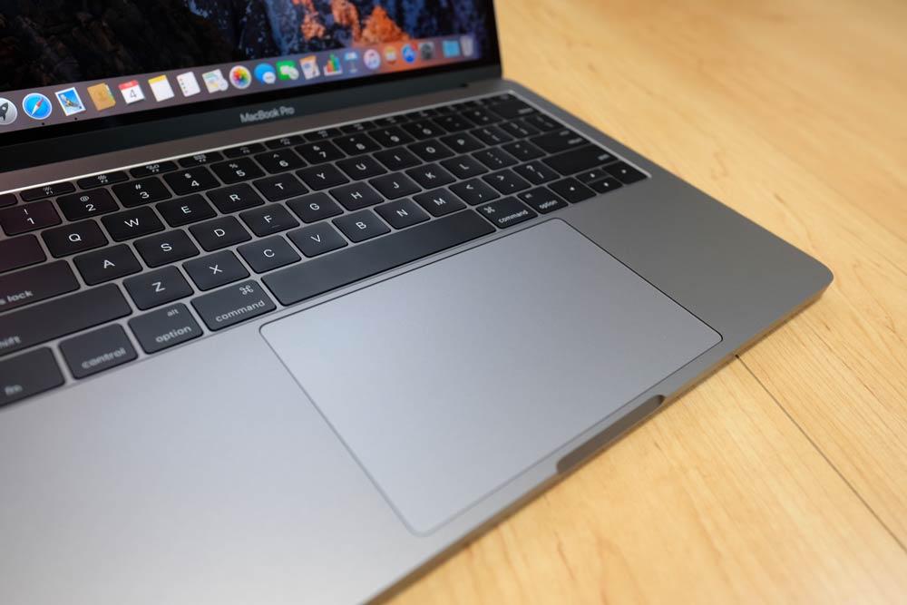 MacBook Pro 13 トラックパッド