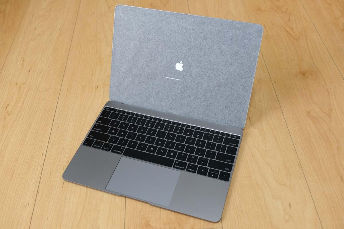 MacBook 2017 蓋を開いて起動