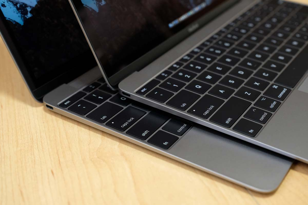 MacBook 2017と2016の外観比較