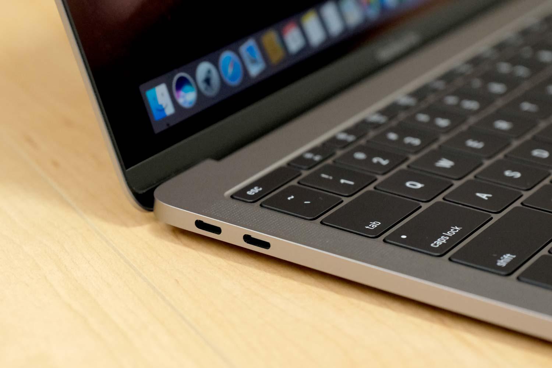 MacBook Pro 13インチ(2017)USB-Cポート