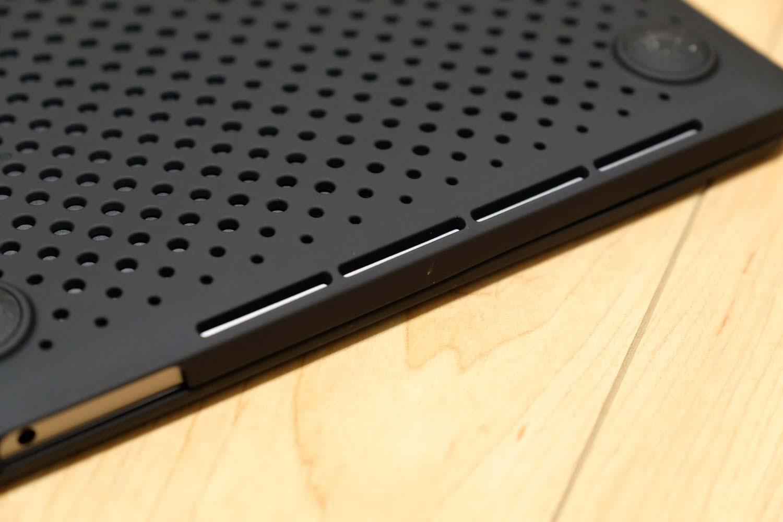 13インチMacBook Pro AndMesh ハードケース 通気性