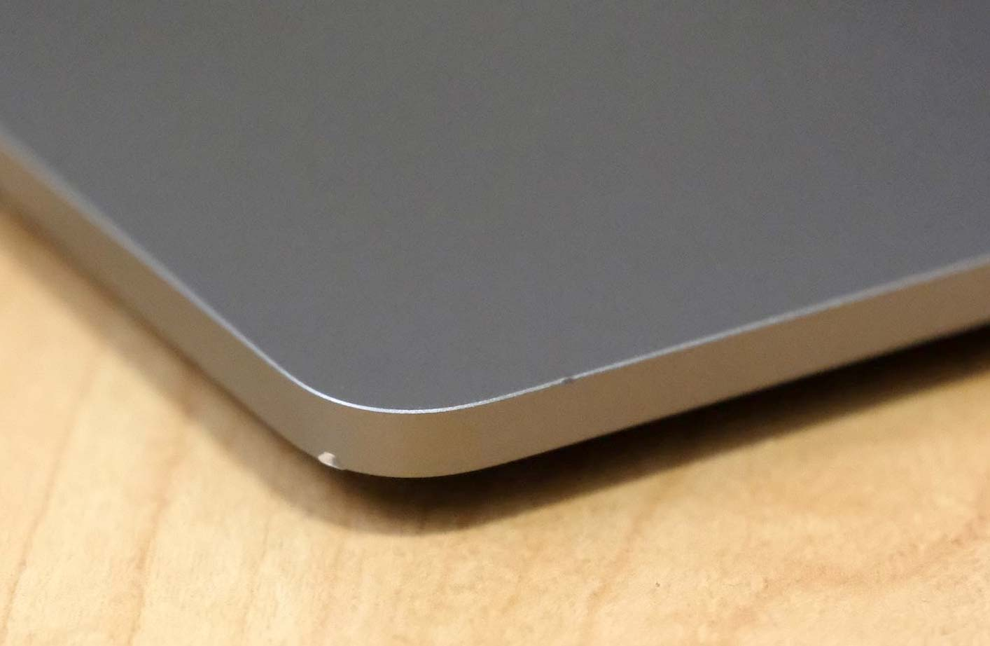 MacBook Pro 傷