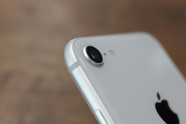 iPhone 8のシングルカメラ