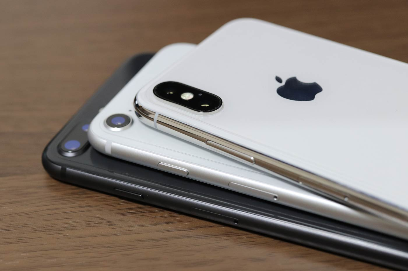 iPhone XとiPhone 8/8 Plusの筐体デザインの違い