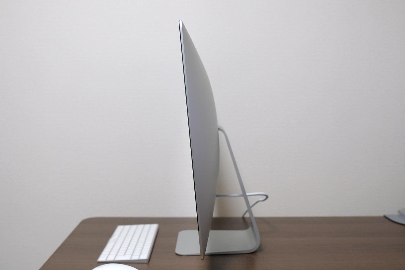 27インチiMac 5K 角度下