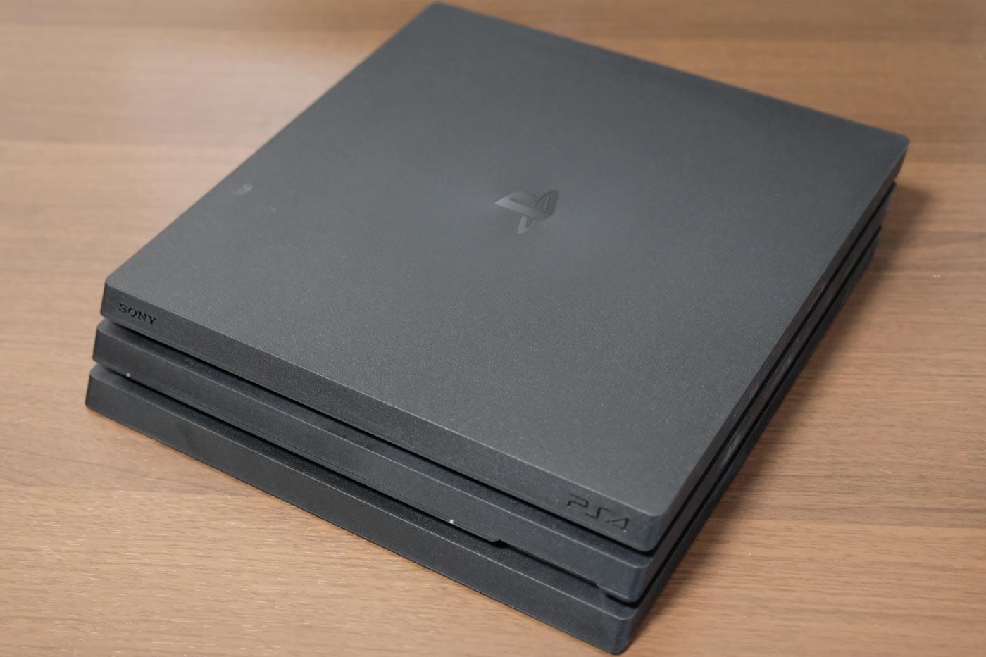 PS4 Proの本体