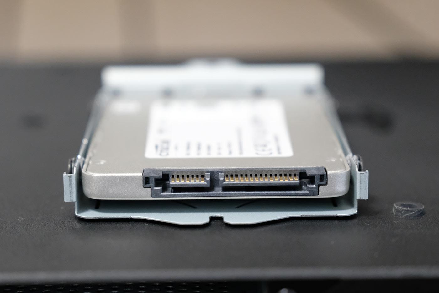 SSDストレージに交換