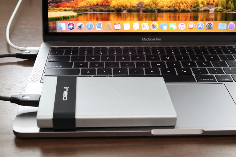 外部SSDとMacBook Pro