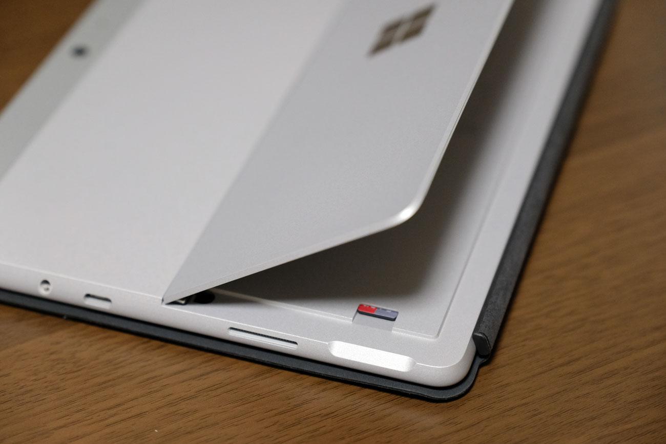 Surface Go マイクロSDカード