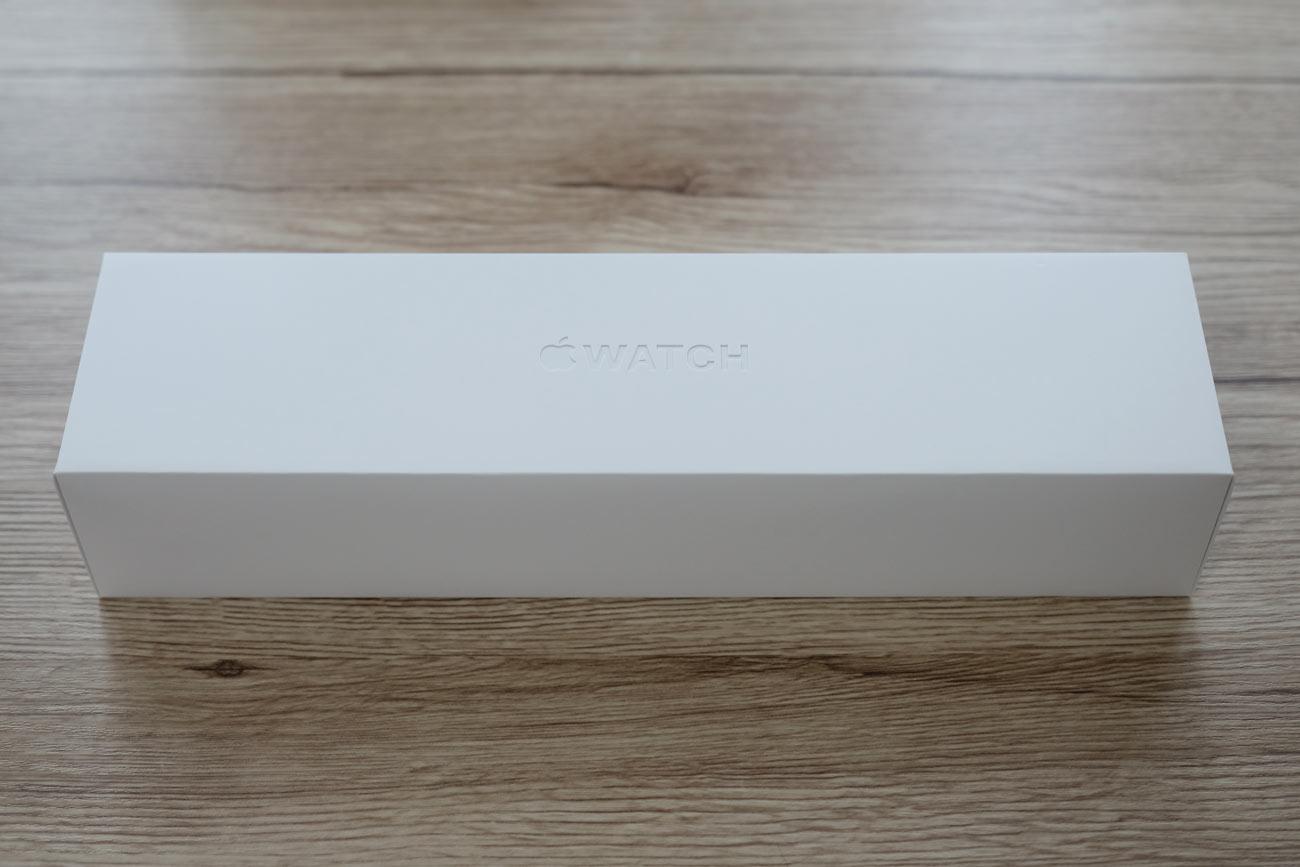 Apple Watch 4 パッケージデザイン