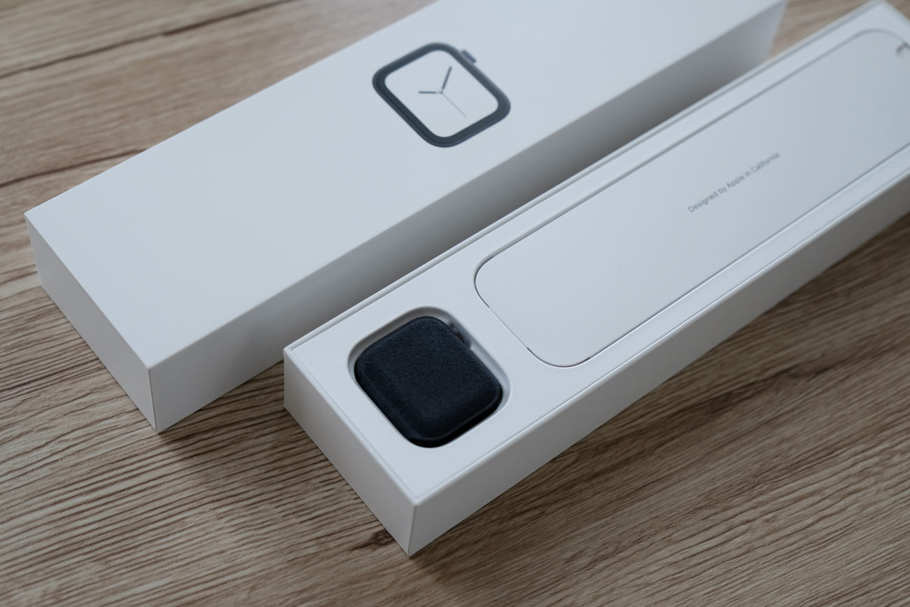 Apple Watch 4を包む布