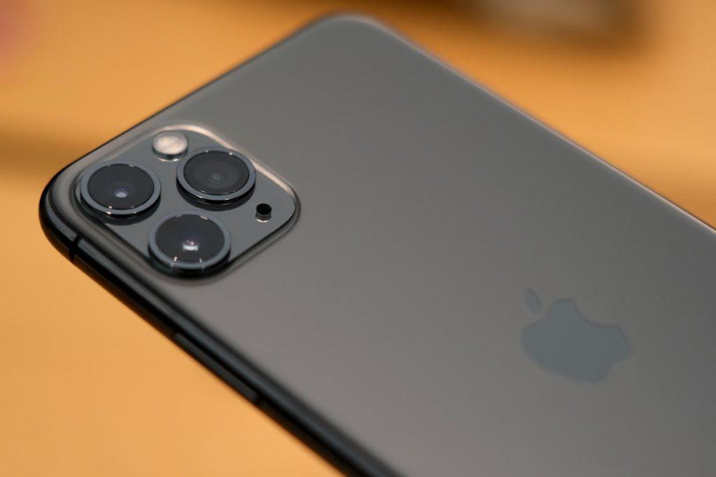 iPhone 11 Proは指紋が付かない