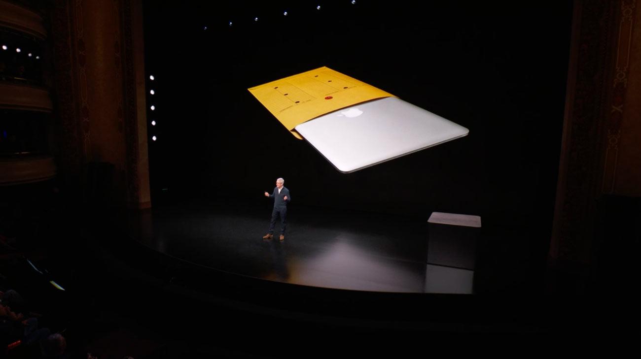 封筒からMacBook Air