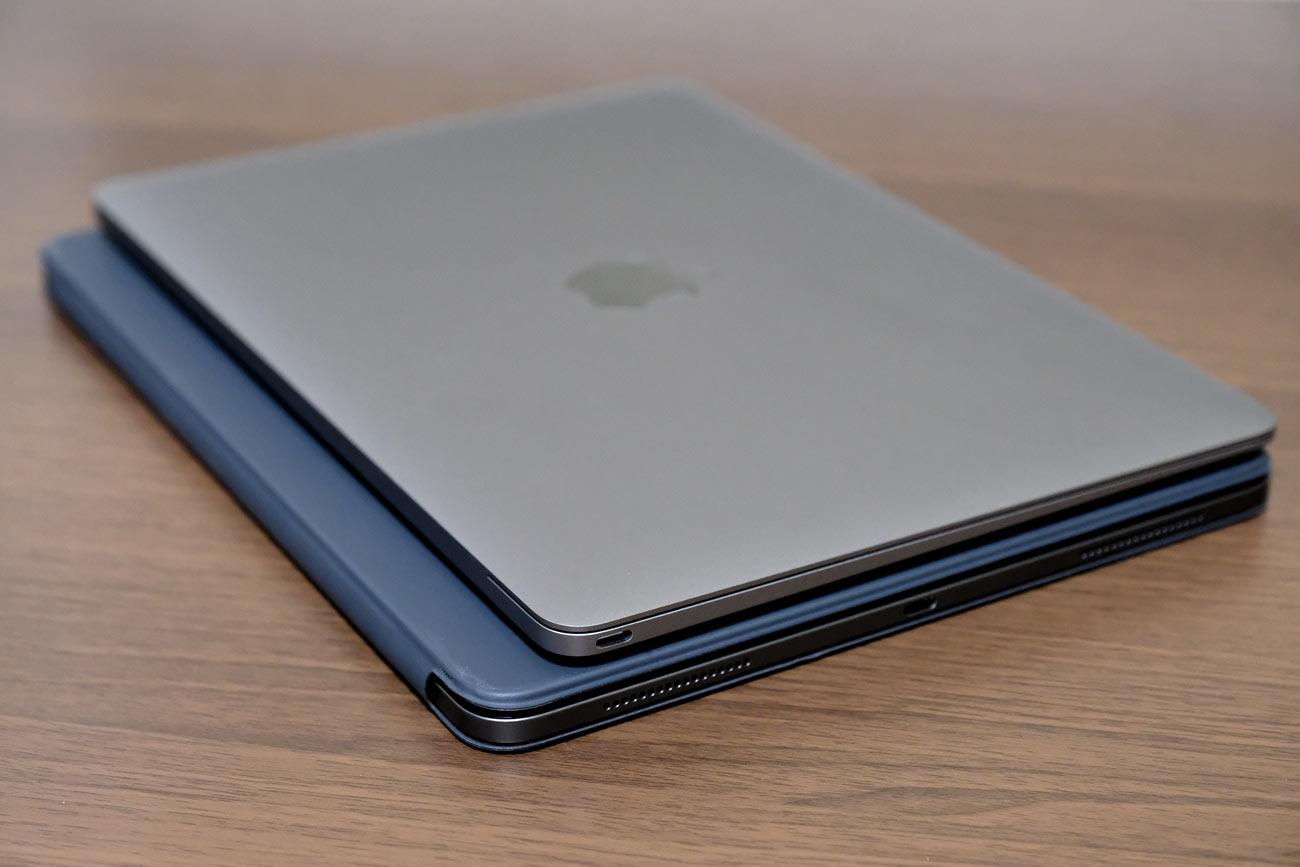 MacBookとiPad Pro 2018 本体サイズの比較