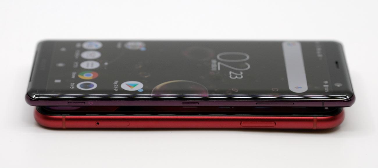 iPhone XRとXperia XZ3 右サイドのスタイル