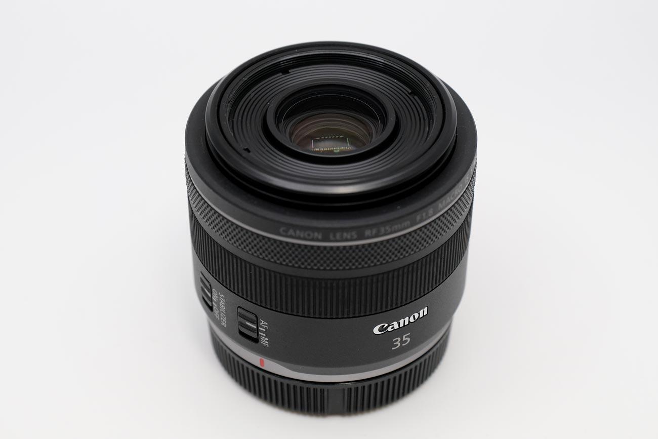 RF35mm MACRO レンズのデザイン