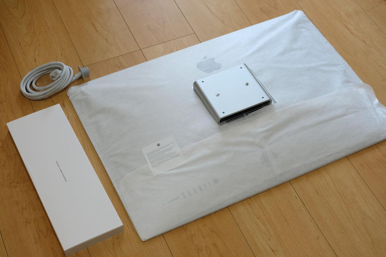 iMac 27インチ VESAマウントアダプタ搭載モデル 内容物