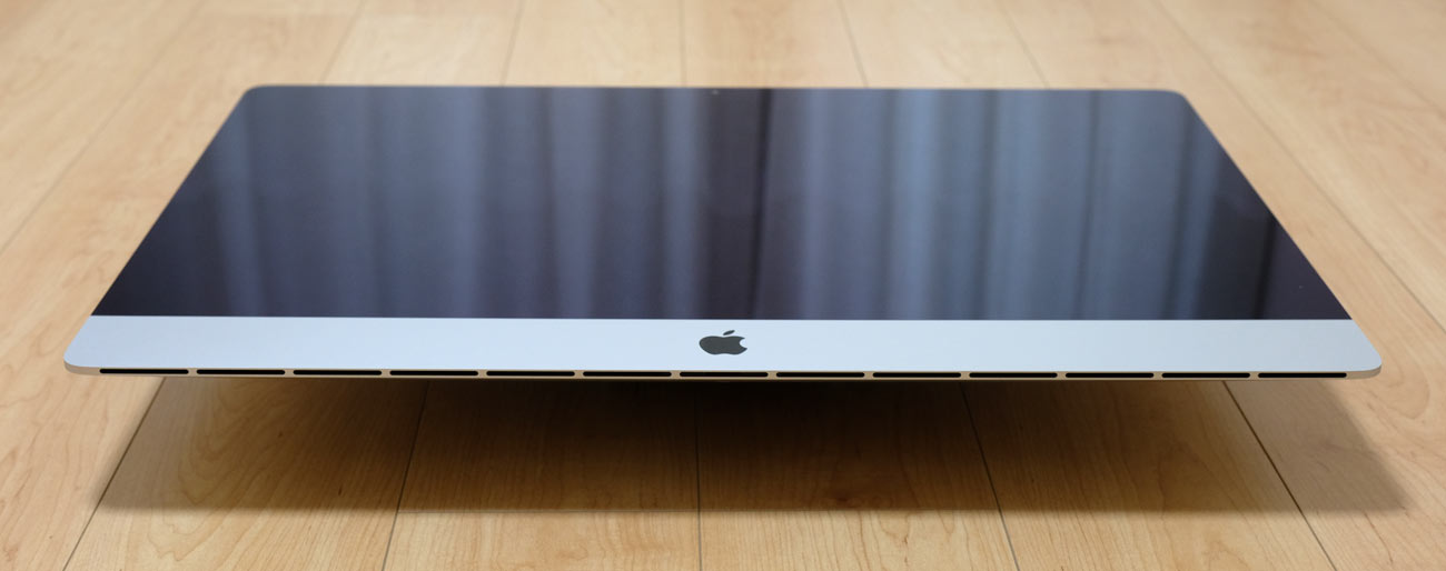 iMacを下から見る