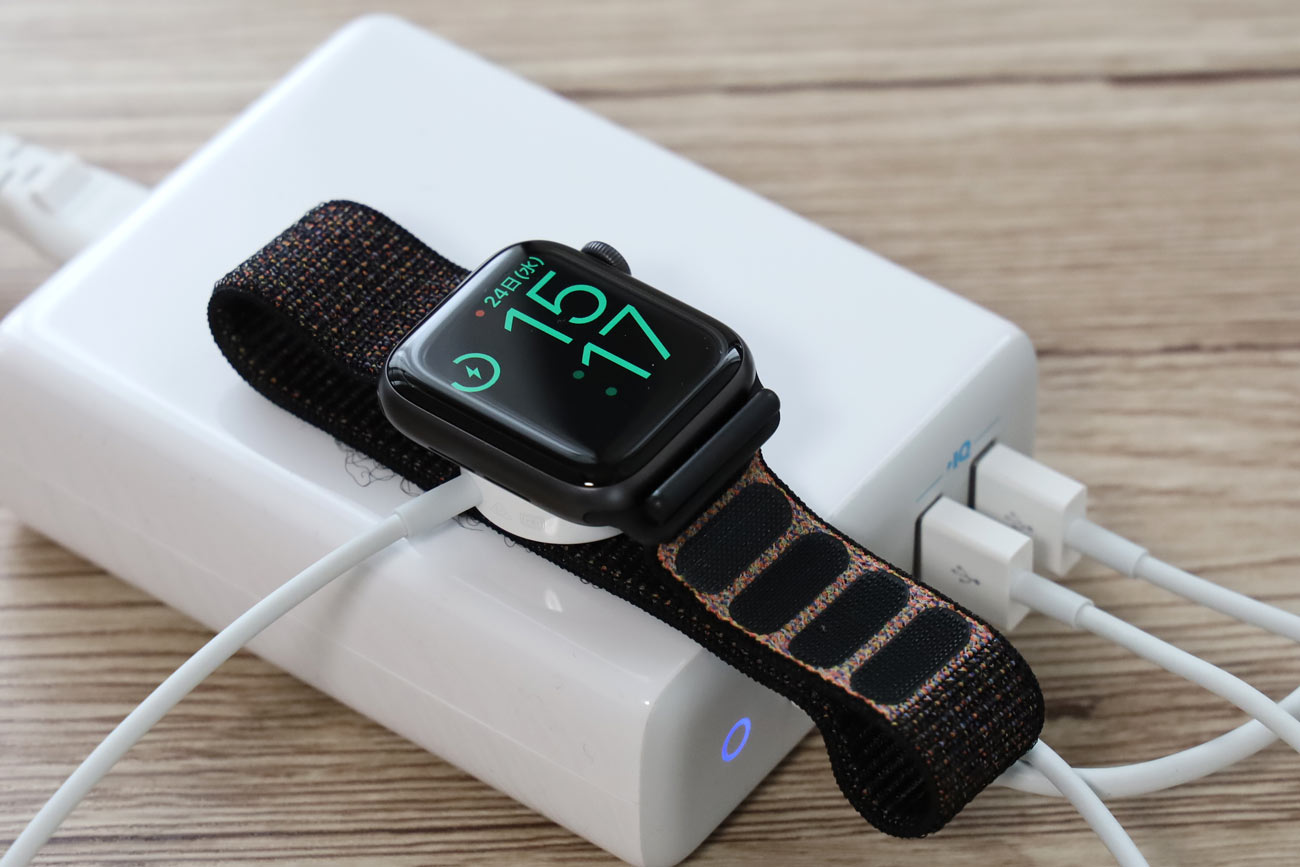 Anker PowerPort Atom PD 4でApple Watchを充電