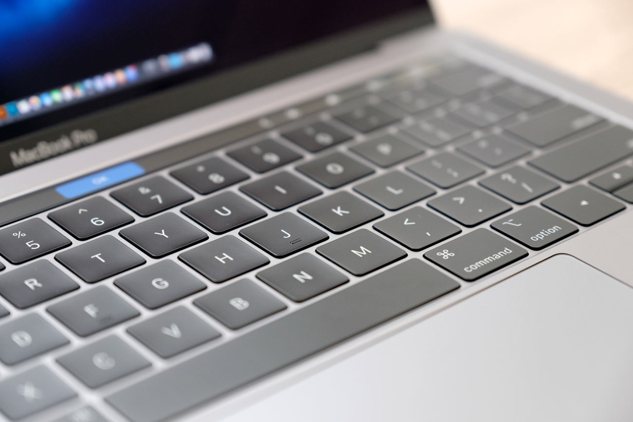 MacBook Pro 13インチのバタフライ構造のキーボード