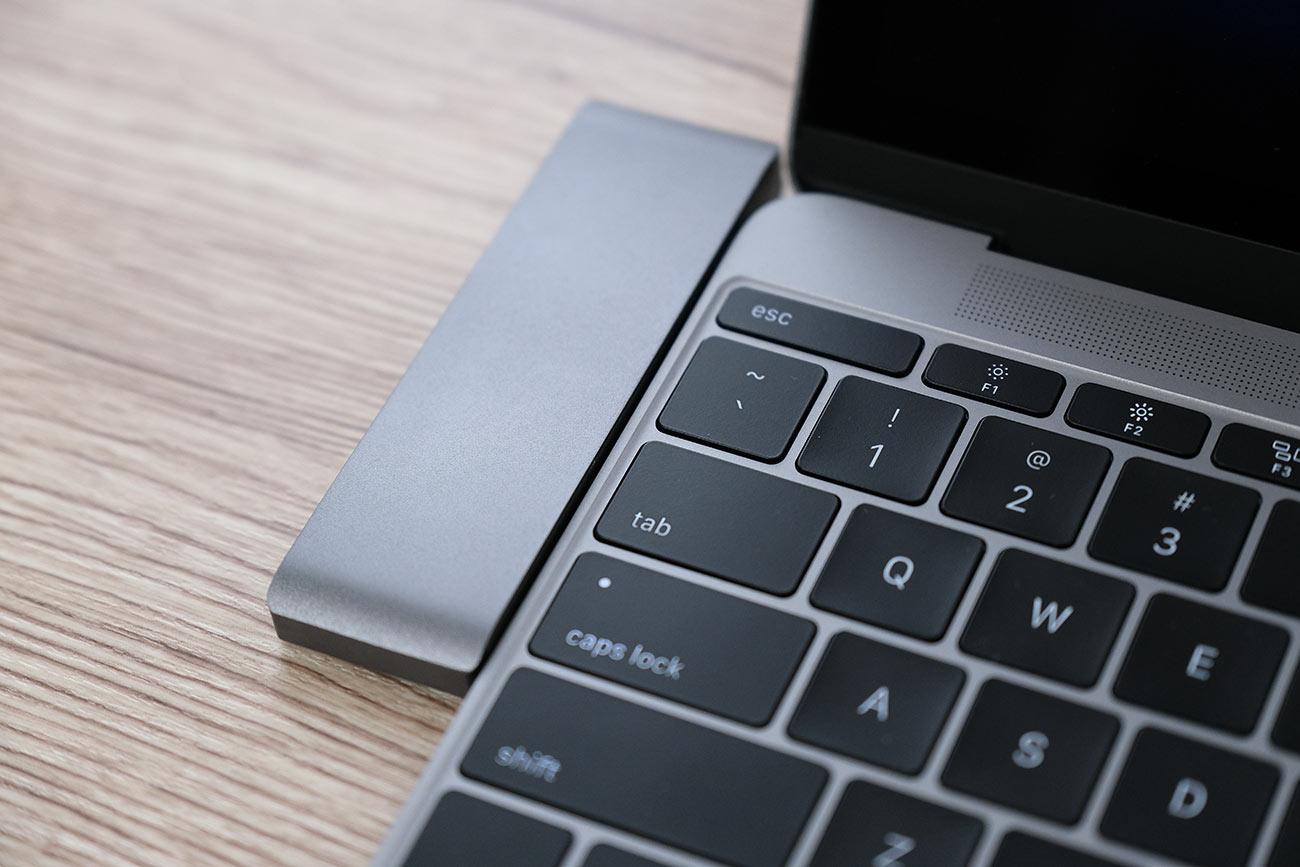 MacBookとの段差