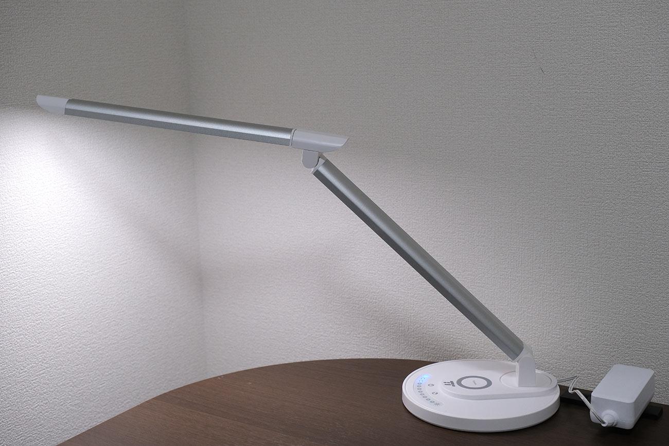 TaoTronics LED デスクライトの角度(傾斜)