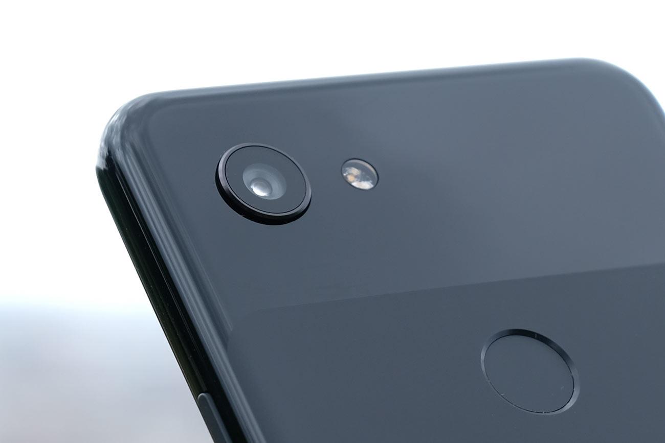 Google Pixel 3 リアカメラはシングルレンズカメラ