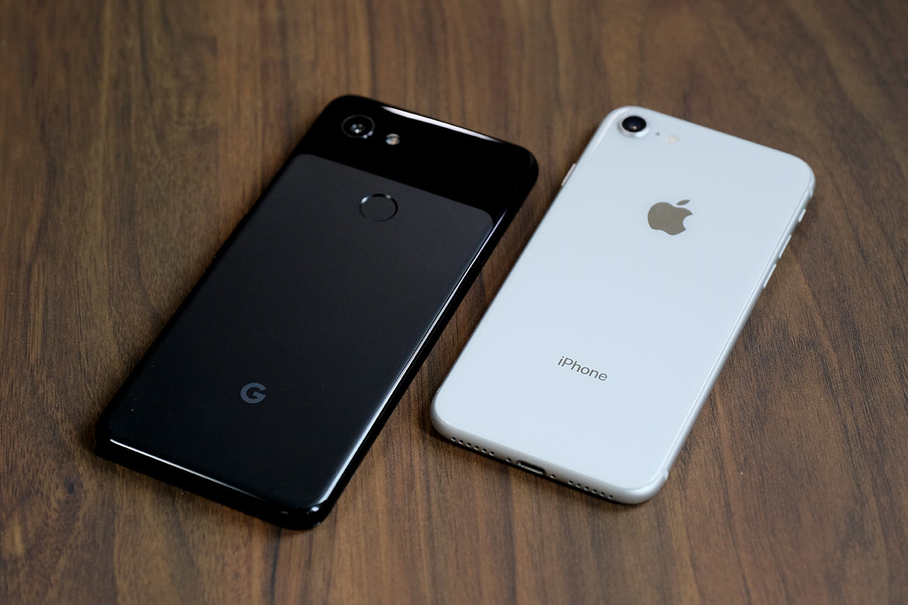 Pixel 3aとiPhone 8の筐体デザイン