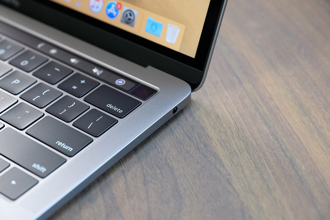 MacBook Pro 13インチ(2019)3.5mmオーディオジャック