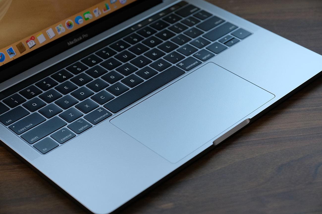 MacBook Pro(2019)大型の感圧式トラックパッド