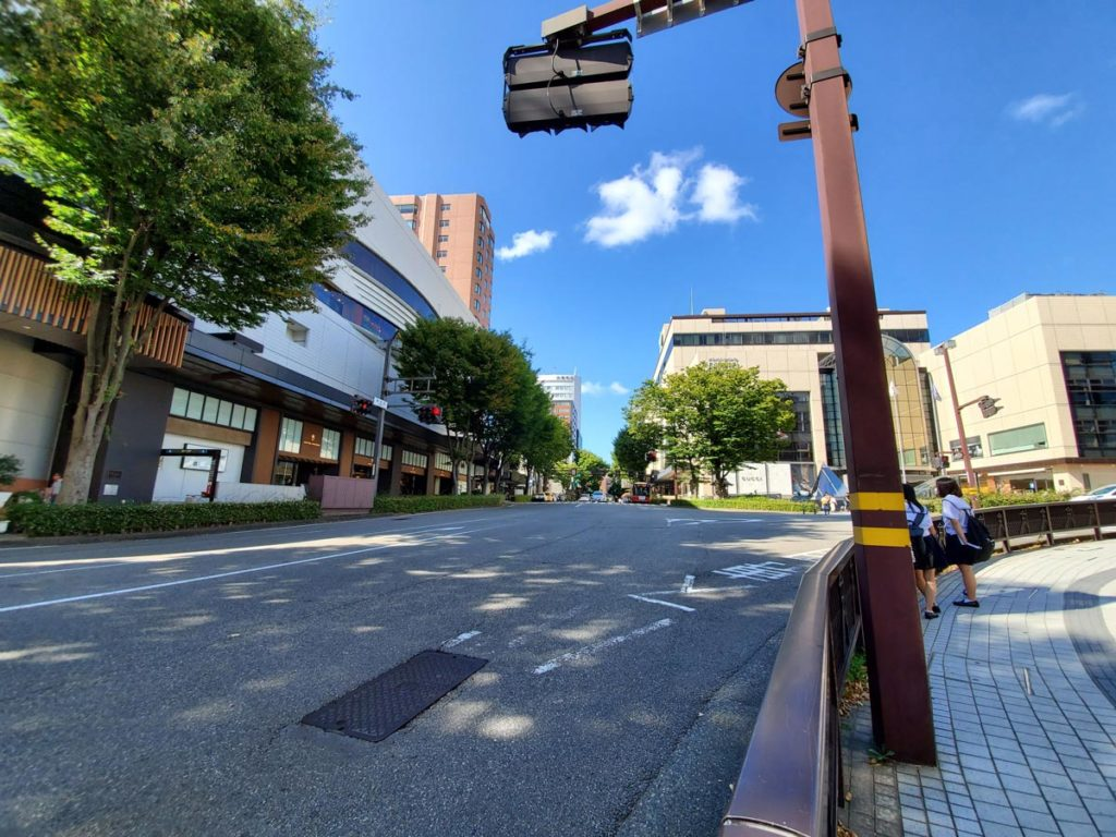 超広角カメラで撮影した道路