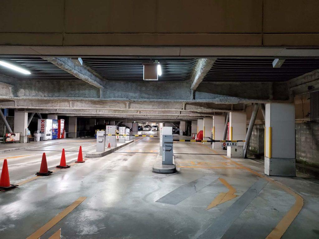 Galaxy S10 標準カメラの画質(夜の駐車場)