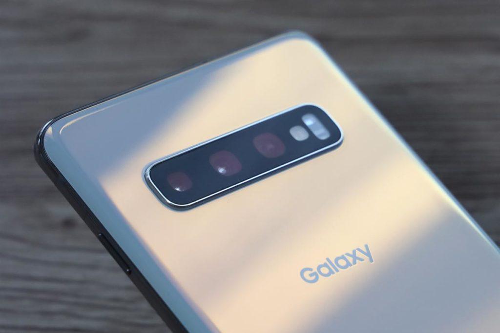 Galaxy S10 プリズムホワイト
