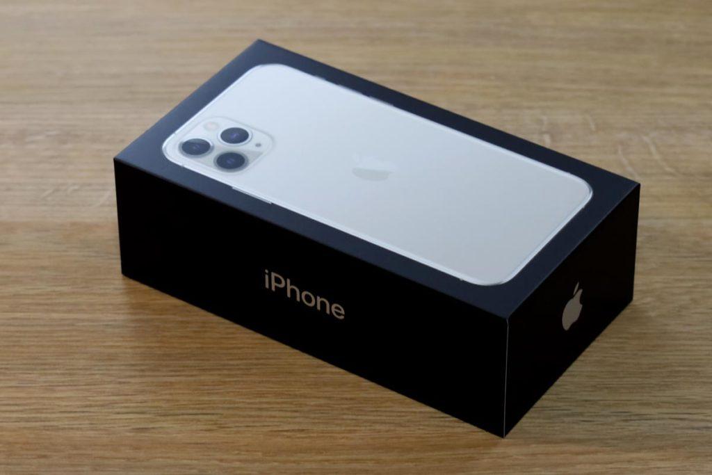 iPhone 11 Proのパッケージ