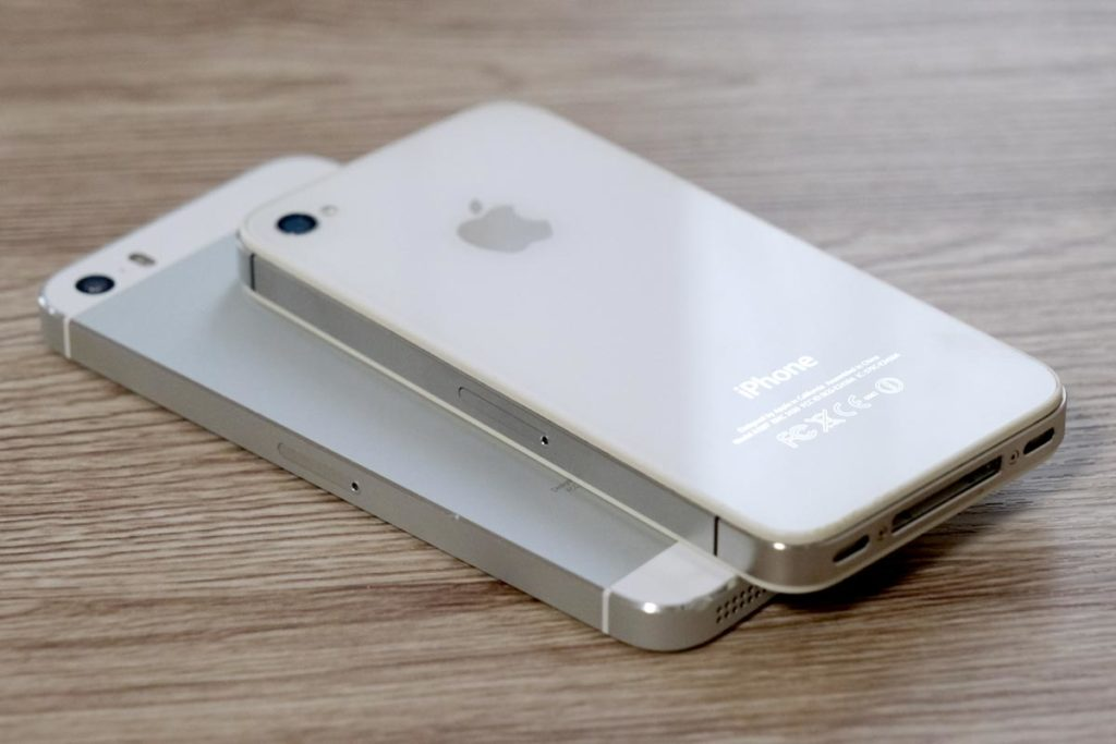 iPhone 5sとiPhone 4s