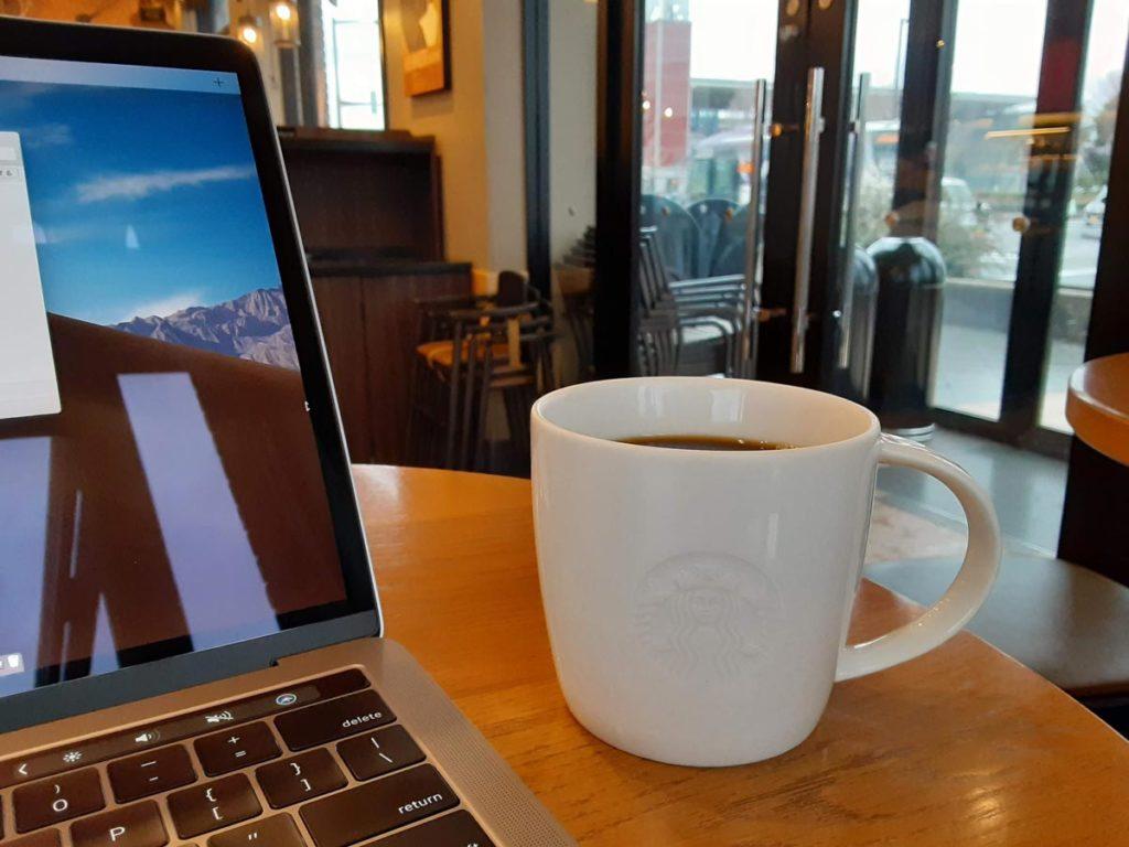スタバのコーヒーをGalaxy A20で撮影