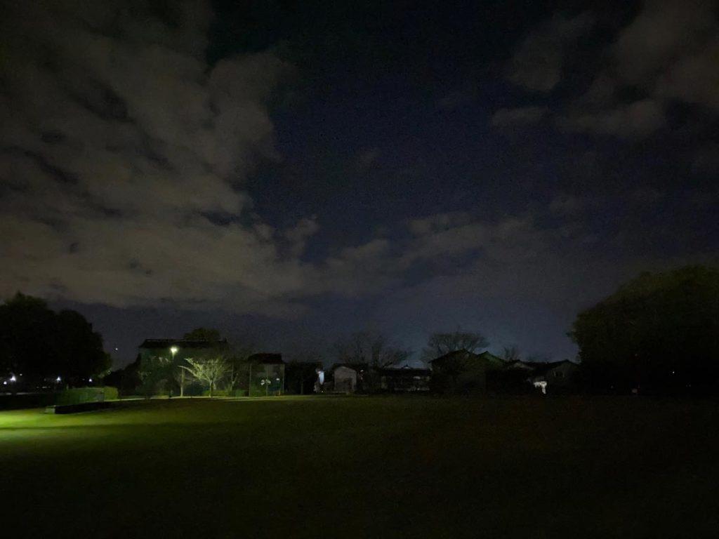 iPhone 11 Pro 暗所の通常撮影