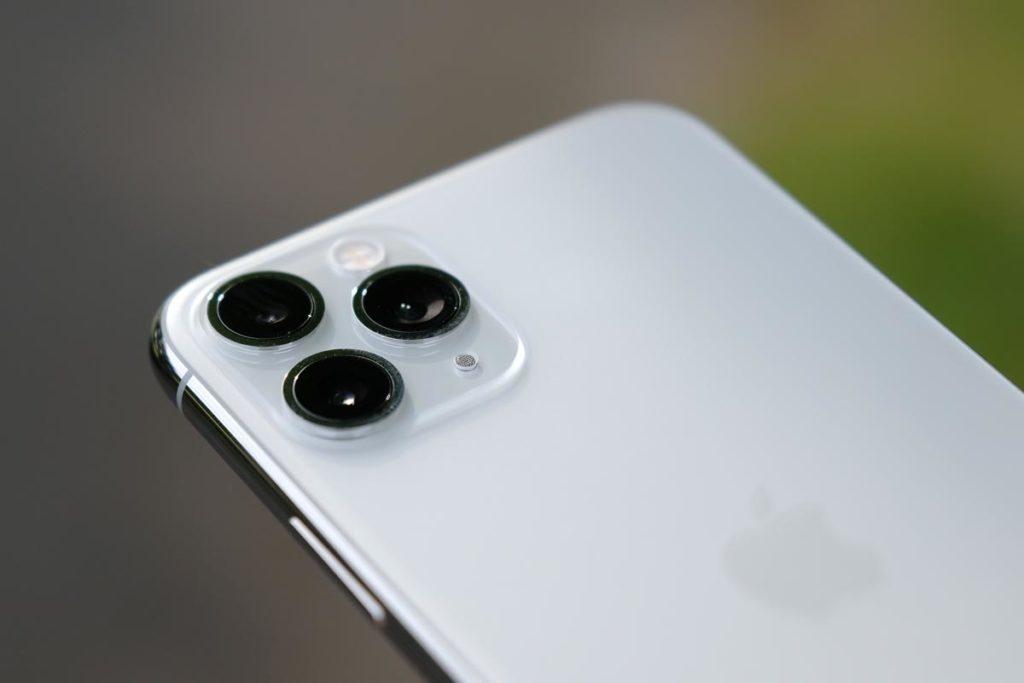 iPhone 11 Pro トリプルカメラ