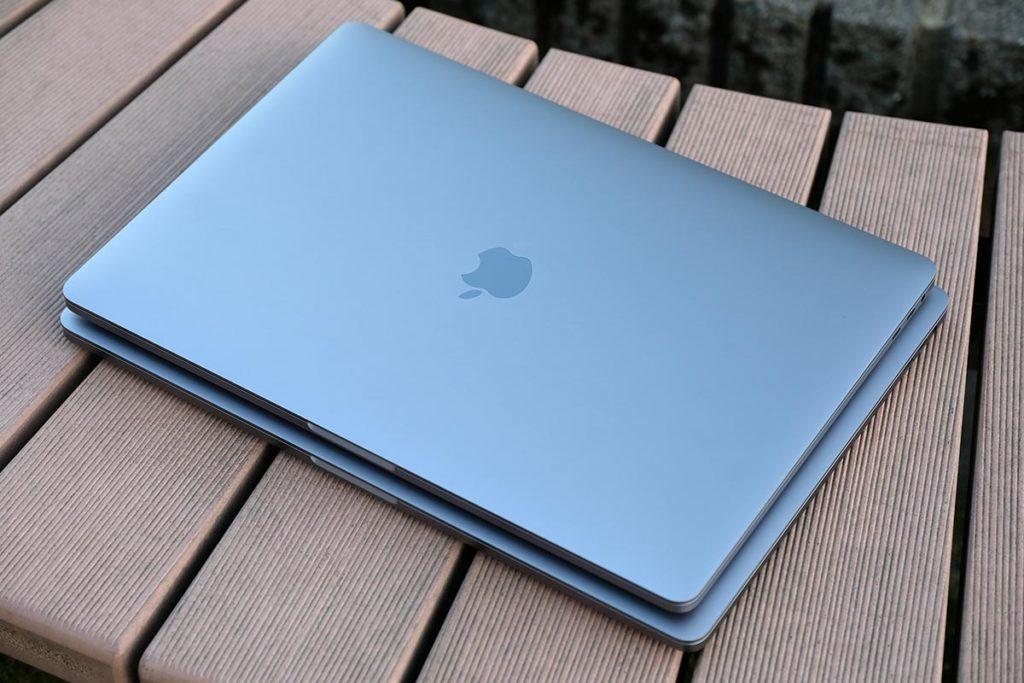 MacBook Pro 15インチ・16インチ サイズ比較