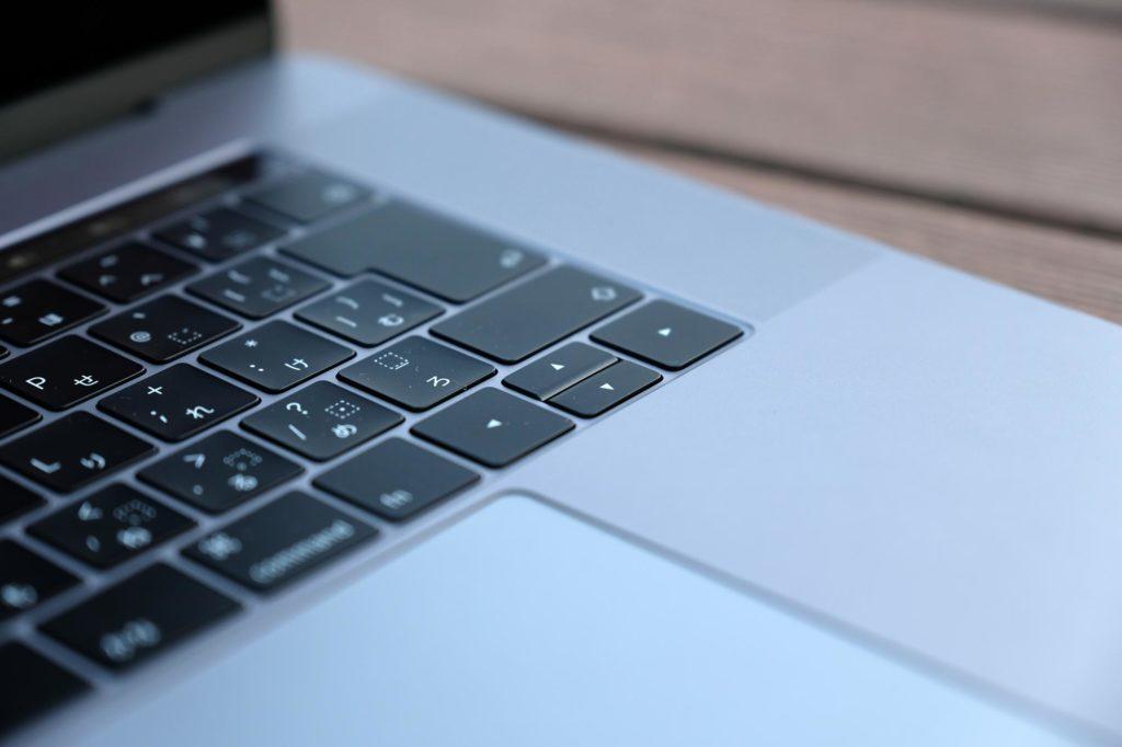 MacBook Pro 13インチ バタフライ構造キーボード