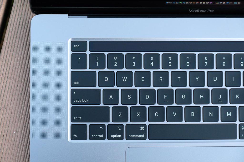 MacBook Pro 16インチの内蔵スピーカー