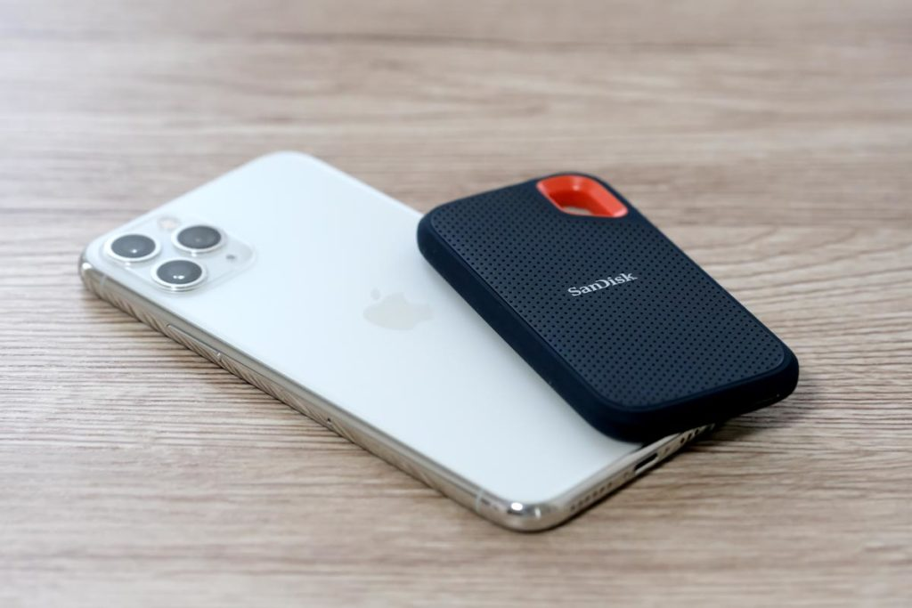 iPhone 11 ProとSanDisk Extreme SSD