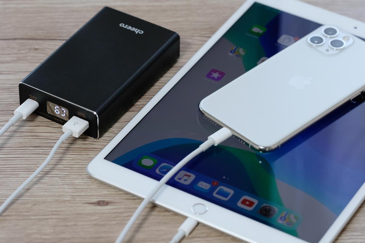 iPhone 11 ProとiPad Air 3を充電
