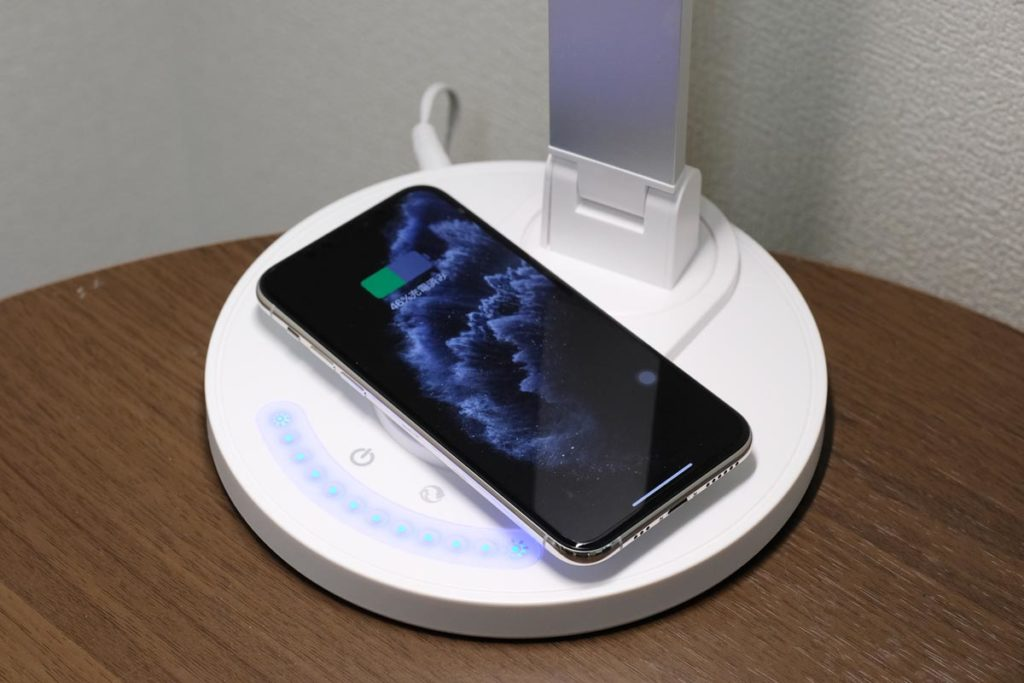 iPhoneをワイヤレス充電できる
