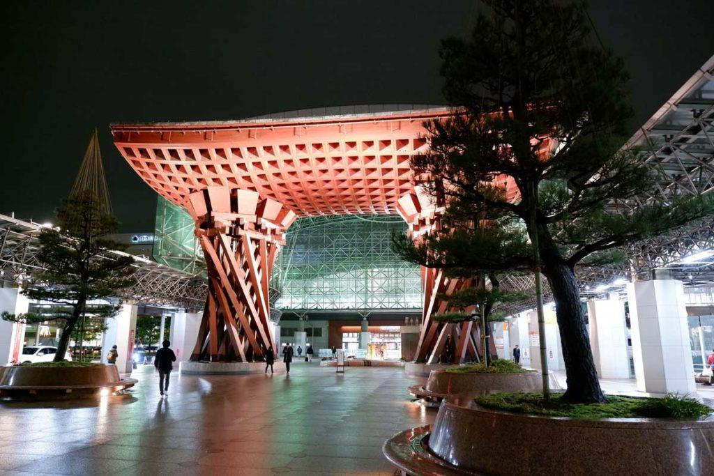 X-A7で金沢駅を撮影(JPEG撮って出し)
