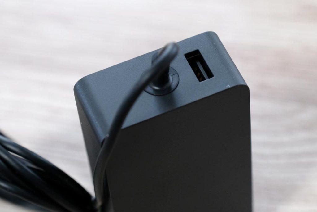 USB-Aポートを内蔵している
